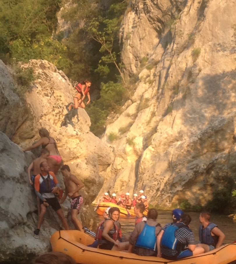 ante jumping river rafting omis